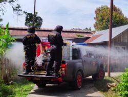 Tim KBR Ilato Brimob Gorontalo Lakukan Penyemprotan Disinfektan di Sejumlah Wilayah