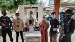 Brimob Kawal Pendistribusian Vaksin di Instalasi Farmasi Kabupaten Gorontalo Utara
